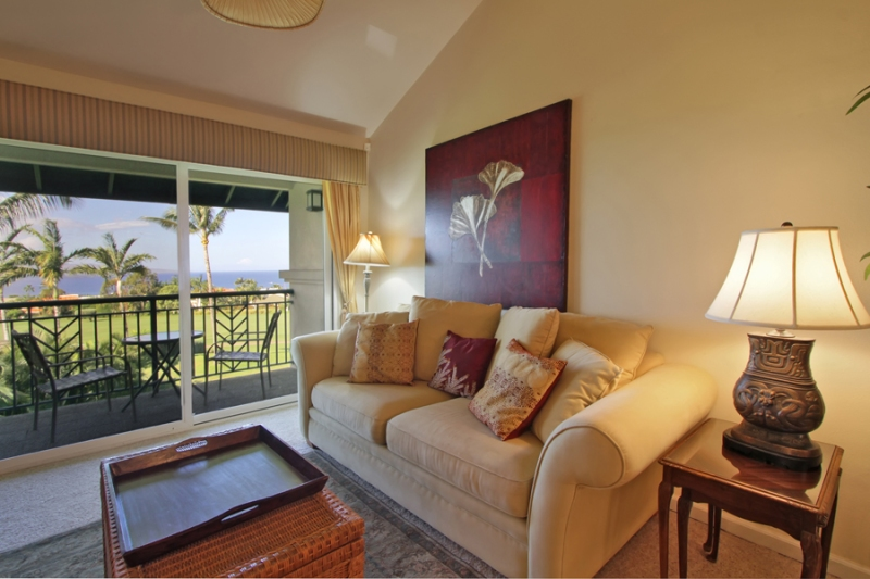 Wailea Fairway K201 living room with ocean view