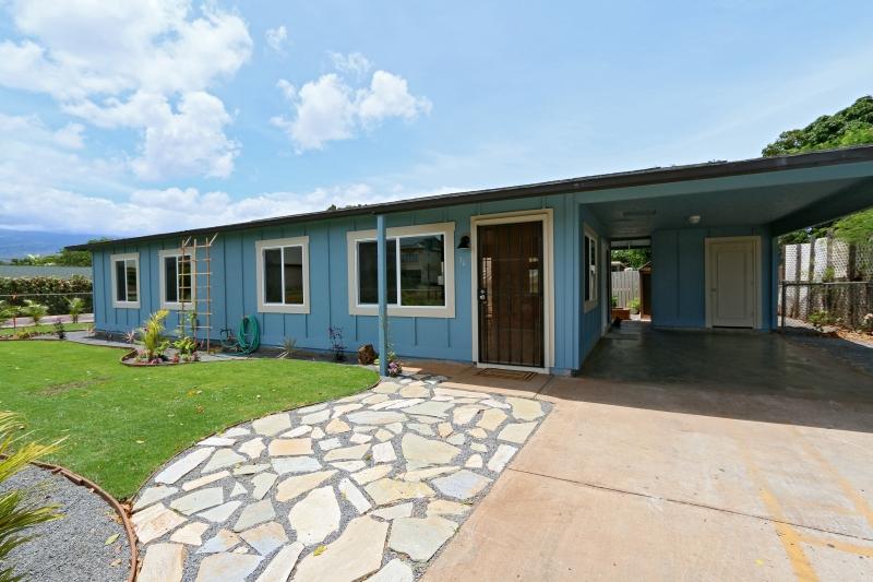 70 East Lipoa Street Charming Home for Sale