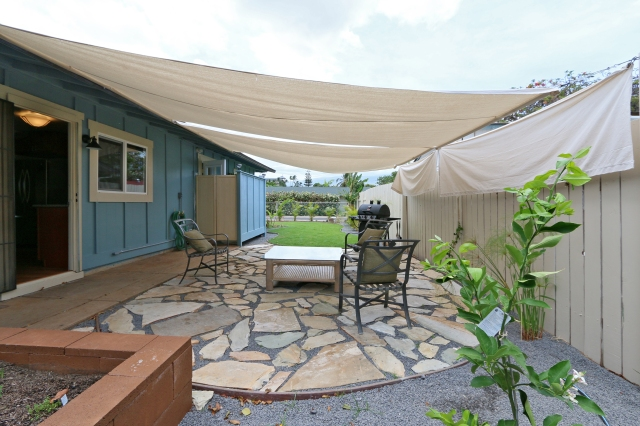Indoor/Outdoor Living is truly Maui style!