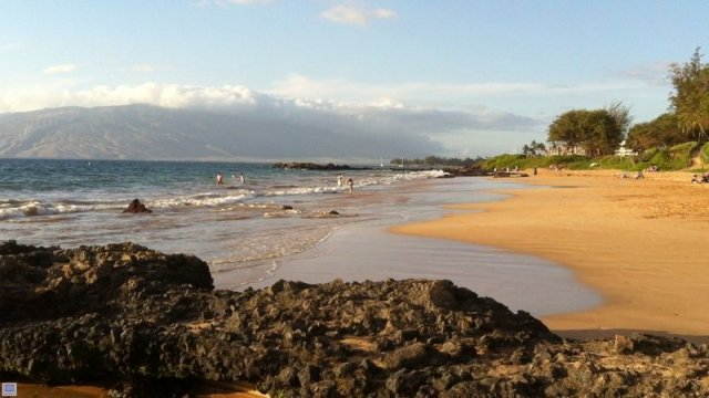 Kihei Akahi C-420 is right across from this fabuous beach-Kamaole II Beach