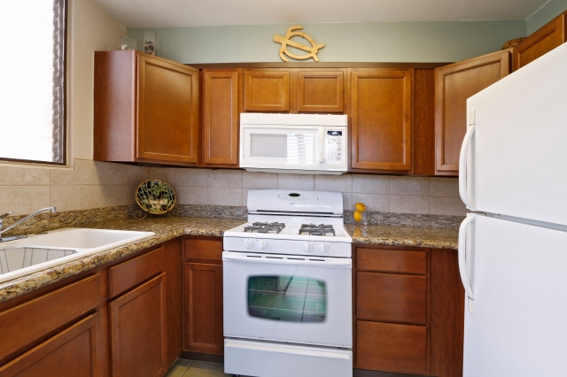 Kihei Akahi C420- Full Kitchen for your convenience