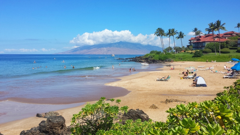 Polo Beach right next to The Fairmont Kea Lani Resort and Spa and to Wailea Point Condominiums. Photo taken by Jeannie Kong
