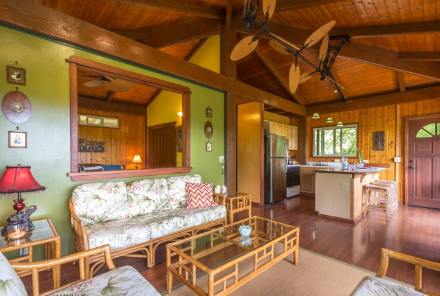 73 Door of Faith- tropical home in haiku for sale